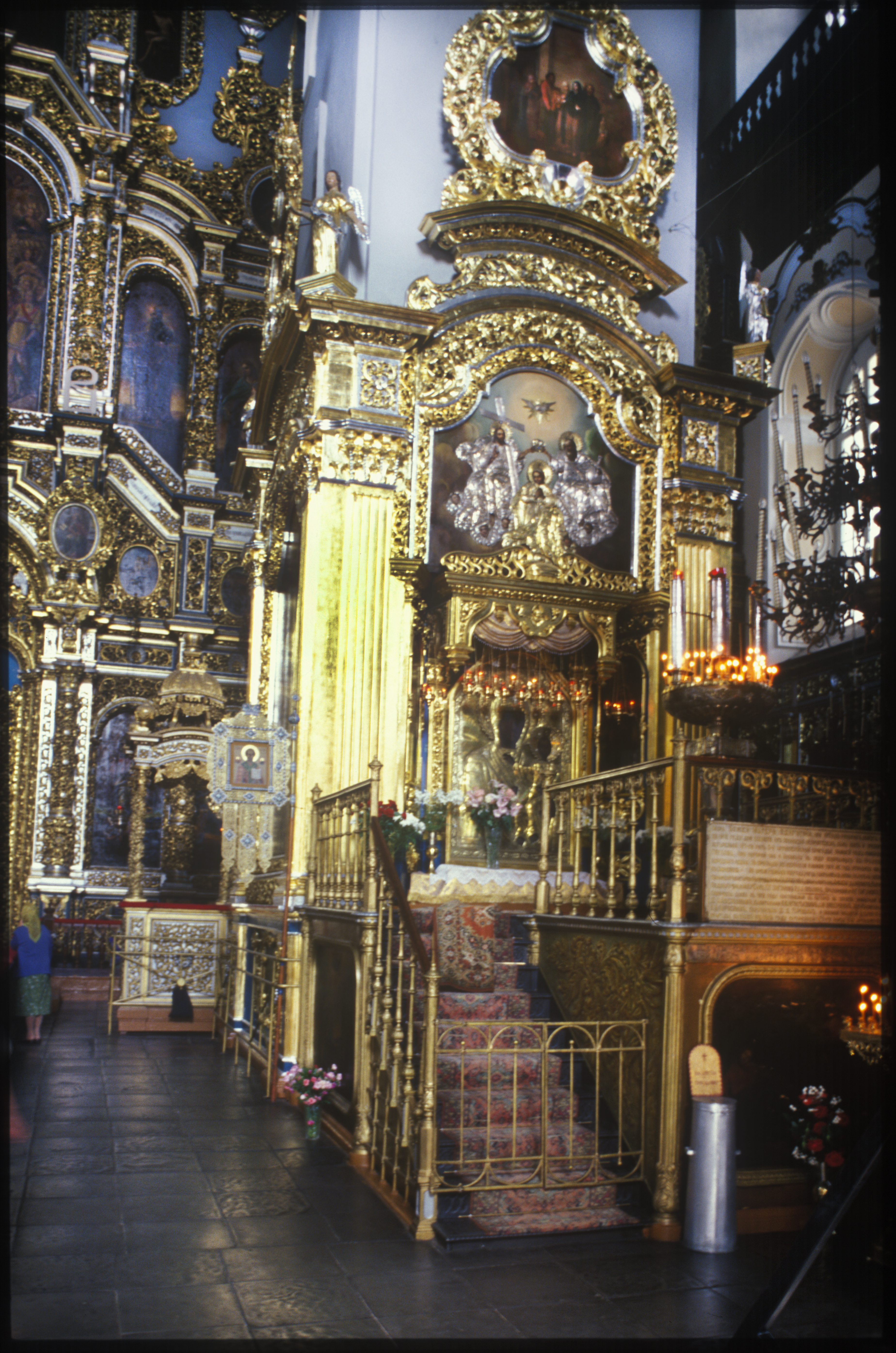 Dormition Cathedral, interior, view of baldachin with copy of Smolensk Icon. July 15, 2006. / Photo: William Brumfield
