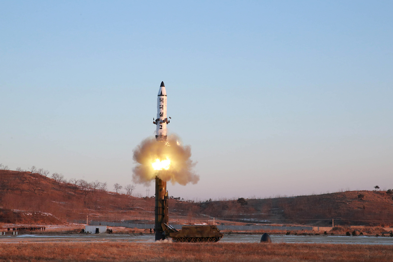 A view of the test-fire of Pukguksong-2 guided by North Korean leader Kim Jong Un on the spot.