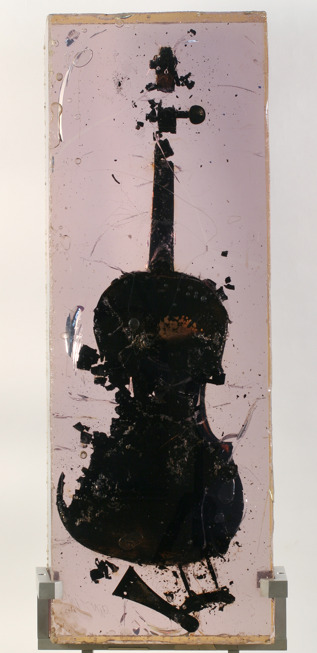 Fernand Arman. Burned violin. 1966 / Pushkin State Museum of Fine Arts