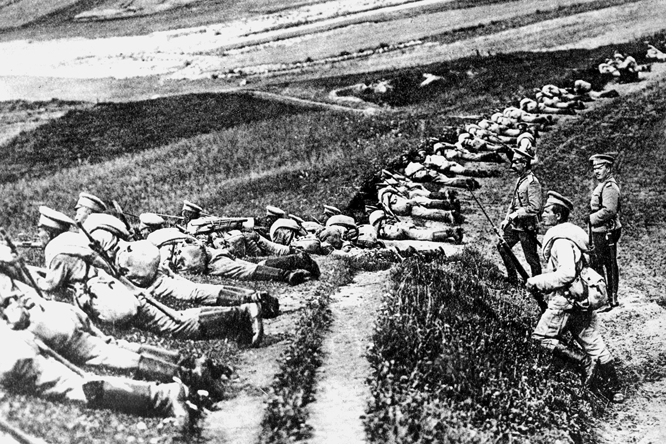 Russian infantry in position at the beginning of World War I in 1914.
