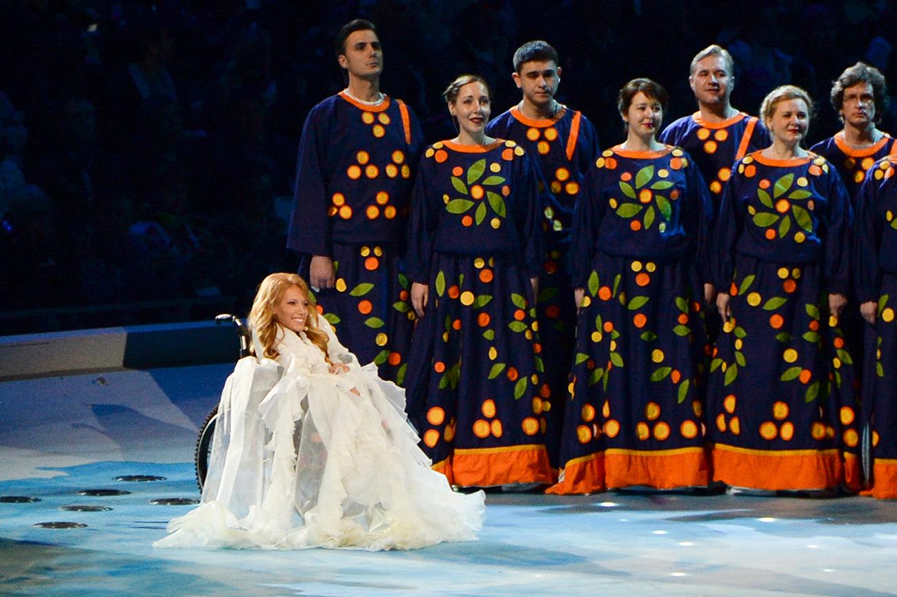 ユリヤ・サモイロワさん、2014ソチパラリンピック開会式=