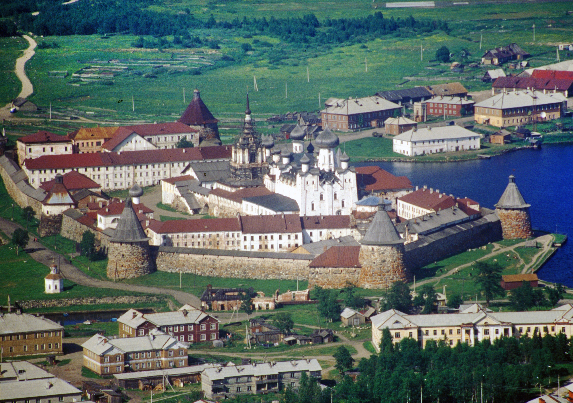 Solovetsky Transfiguration Monastery. Aerial view from south, with Transfiguration Cathedral in center. June 30, 1999. / Photo: William Brumfield