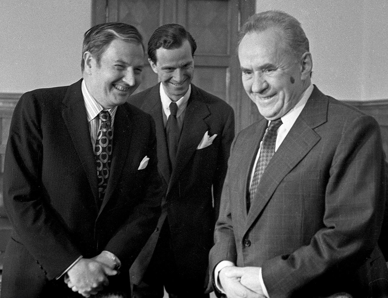 O presidente do Conselho de Ministros da URSS Aleksêi Kosiguin (dir.) se encontra no Kremlin com Rockefeller (esq.) em 1973 / Foto: Iúri Ivanov/RIA Nôvosti