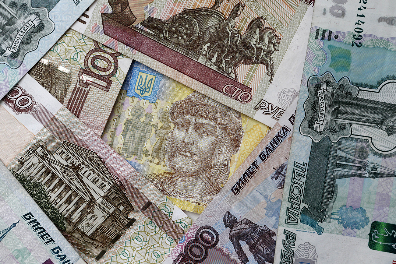 The law is Moscow's response to Kiev's ban on Russian money wiring systems such as Colibri, Golden Crown, and Unistream.
