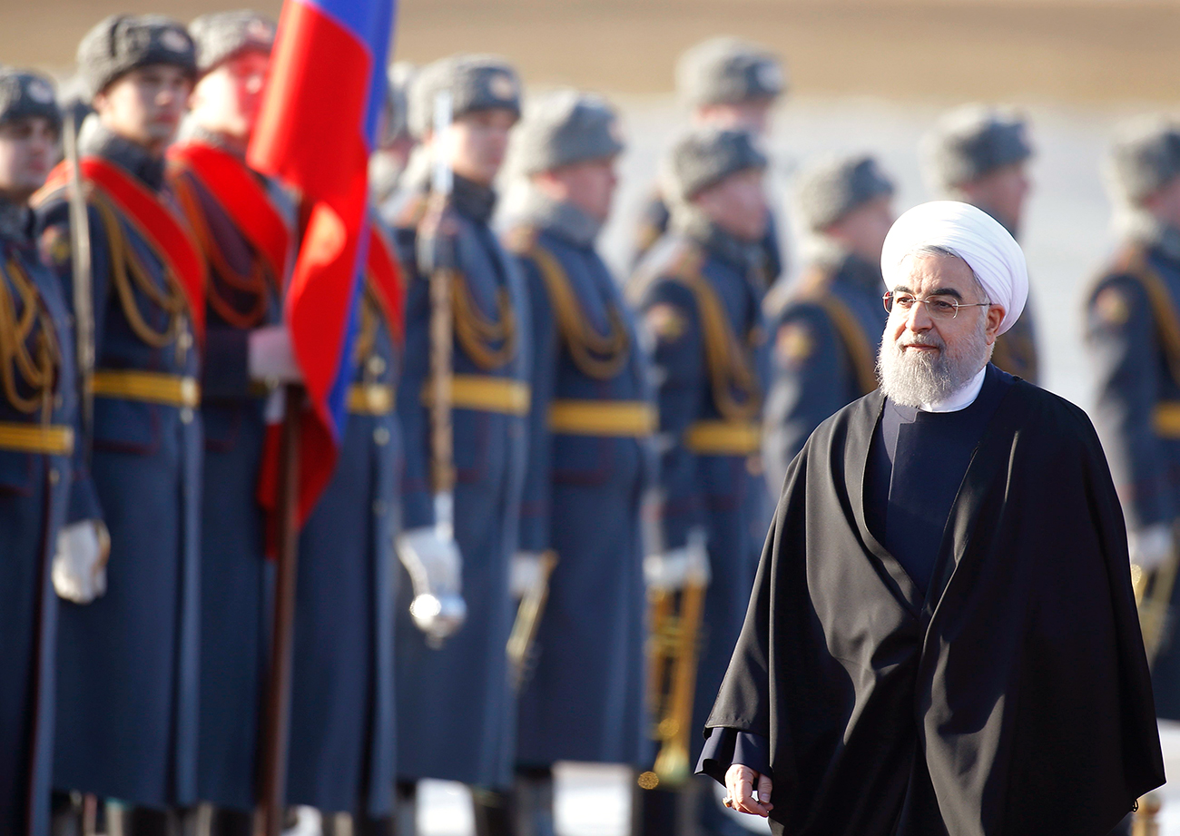Iranian President Hassan Rouhani inspects the honour guard during a welcoming ceremony upon his arrival at Vnukovo International Airport in Moscow, Russia on March 27, 2017.