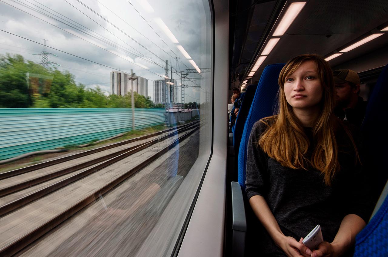 Inaugurato nel 2016, l'Anello centrale di Mosca collega i quartieri periferici della capitale alla metropolitana e ai mezzi di trasporto di superficie che raggiungono tutte le zone del centro. Ogni giorno questi treni trasportano 320.000 passeggeri