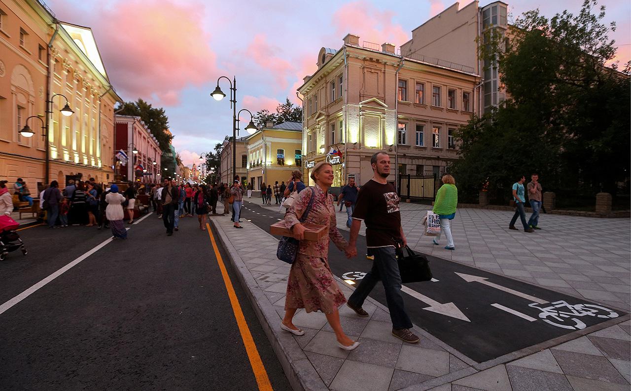 Nel 2013 è stato avviato un grosso lavoro di riqualificazione del centro che ha portato alla nascita di molte aree pedonali. In questa foto, via Pyatnitskaya