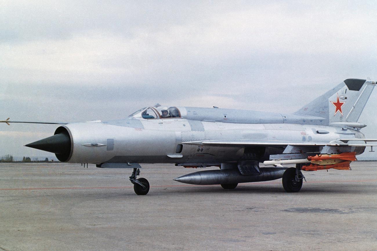 МиГ-21.