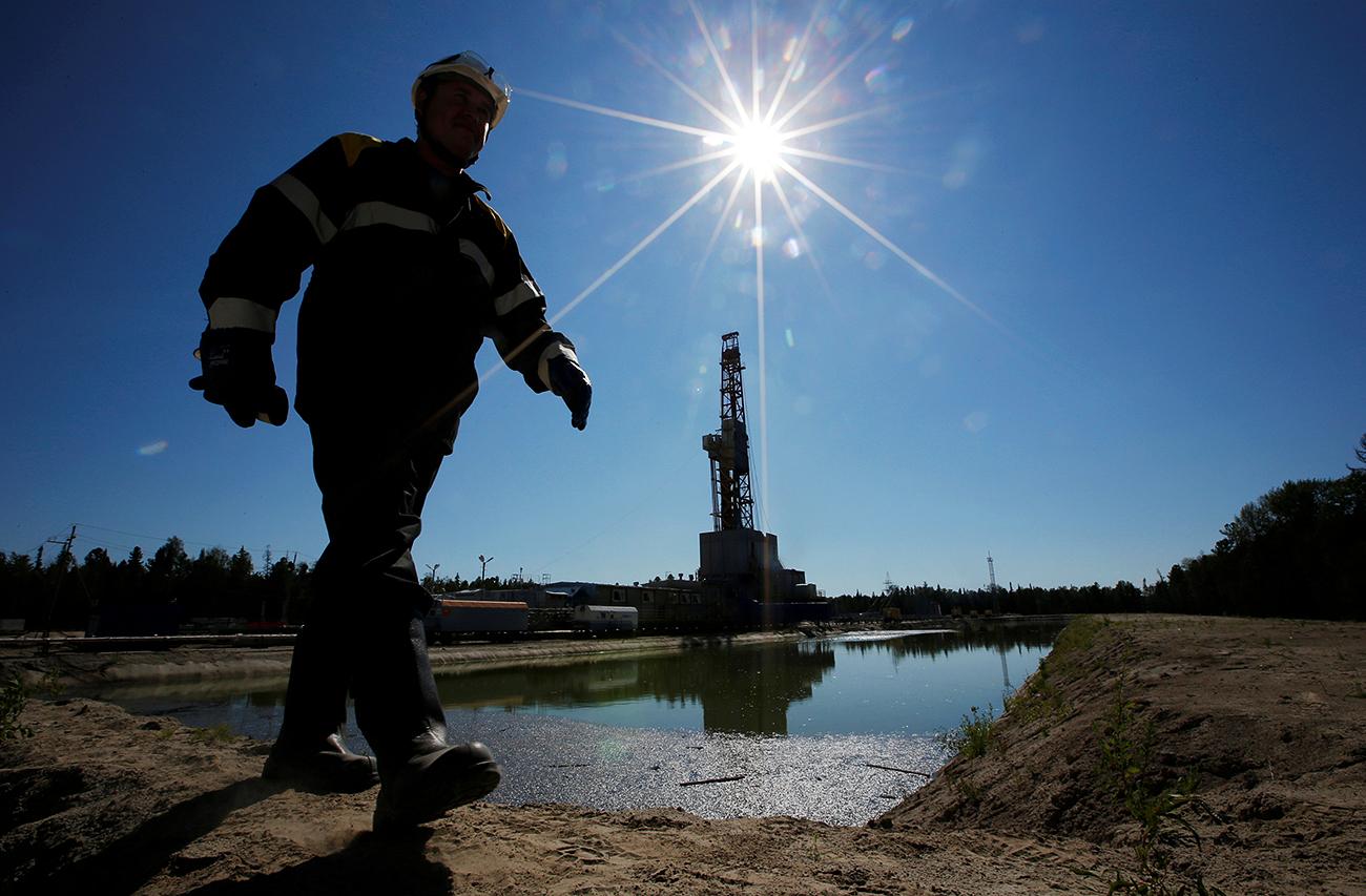 """Нефтено находище """"Приразломное"""" до западносибирския град Нефтеюганск."""