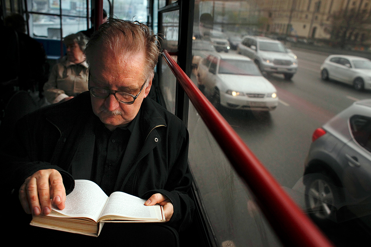Russians are one of the world's top three nations who read the most.