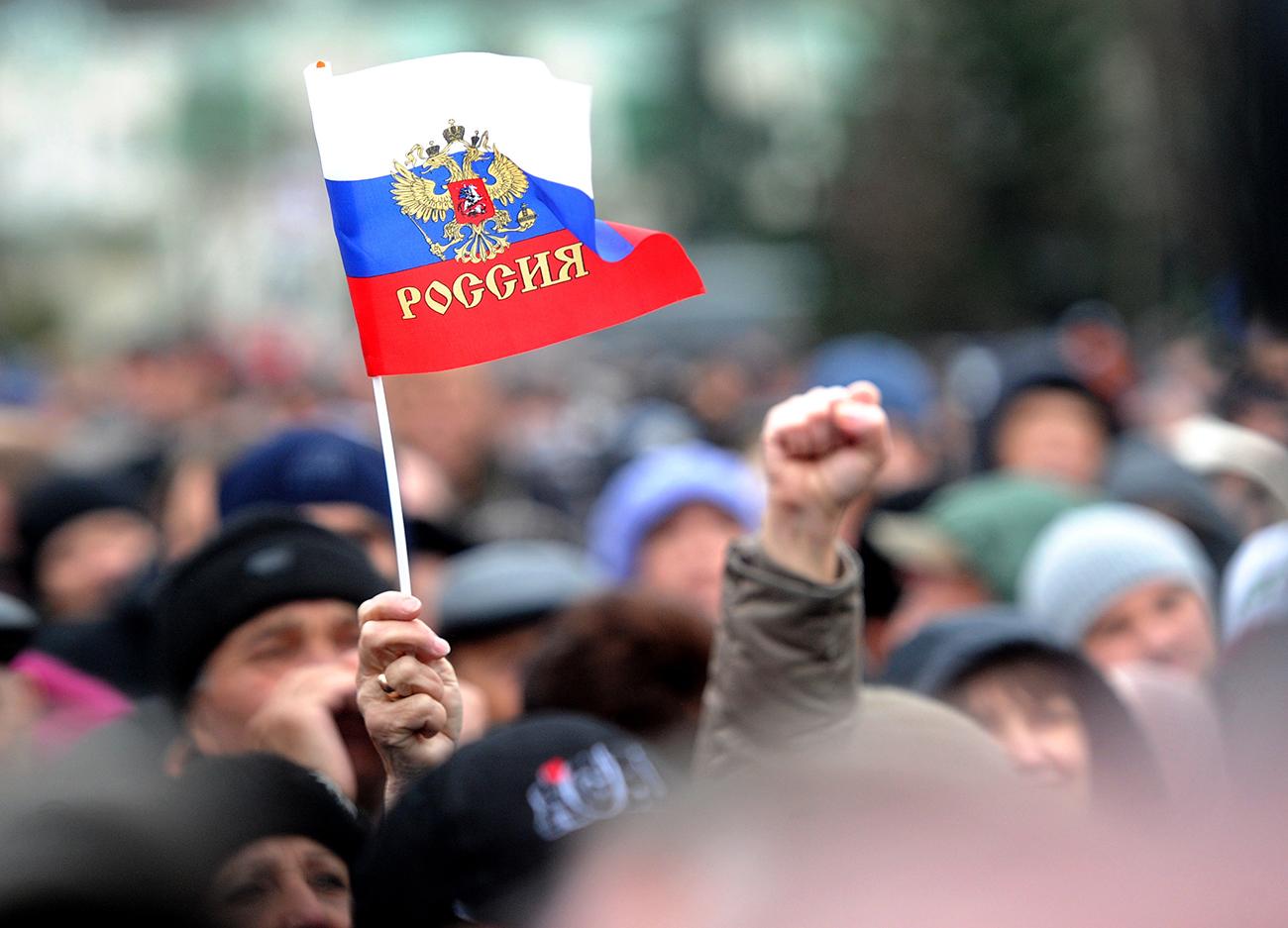 Menyusul kudeta di Kiev, Ukraina pada 2014, rakyat Krimea memilih untuk bergabung kembali dengan Rusia dalam sebuah referendum.