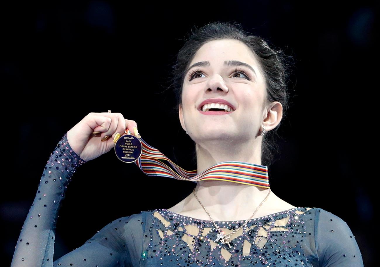 Победа на светском првенству у Хелсинкију је већ званично обезбедила Јевгенији Медведевој статус суперзвезде.