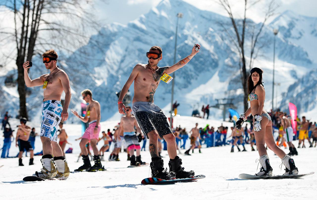 Al raduno dello scorso anno avevano partecipato 1.111 persone; il numero di quest'anno deve ancora essere reso noto, ma pare siano stati più di 1.200 gli appassionati di sci e snowboard incuranti del freddo