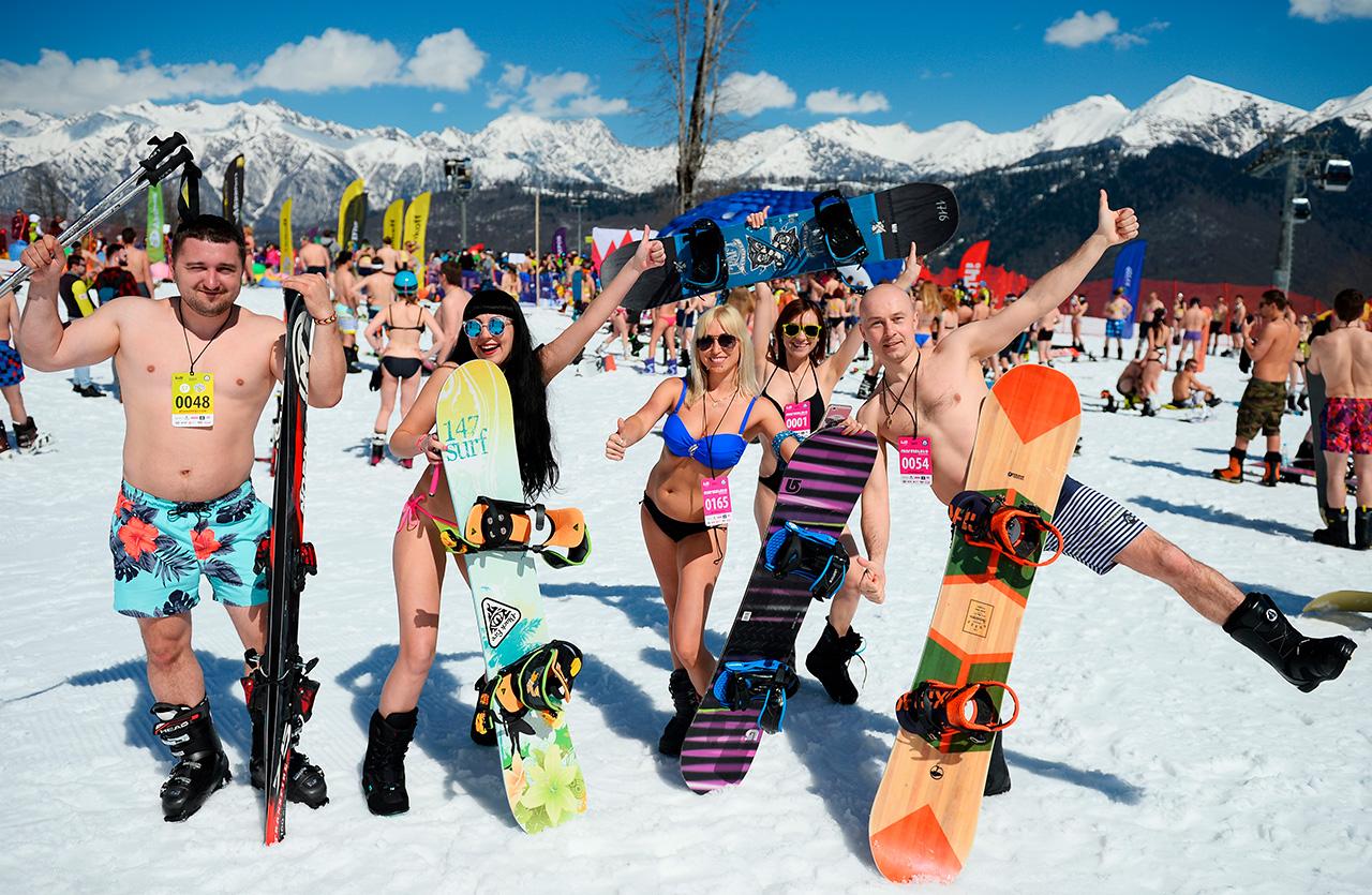 Sous réserve de vérification du QG du Livre Guinness des records à Londres, le record de ski alpin massif en bikini a été officiellement établi.