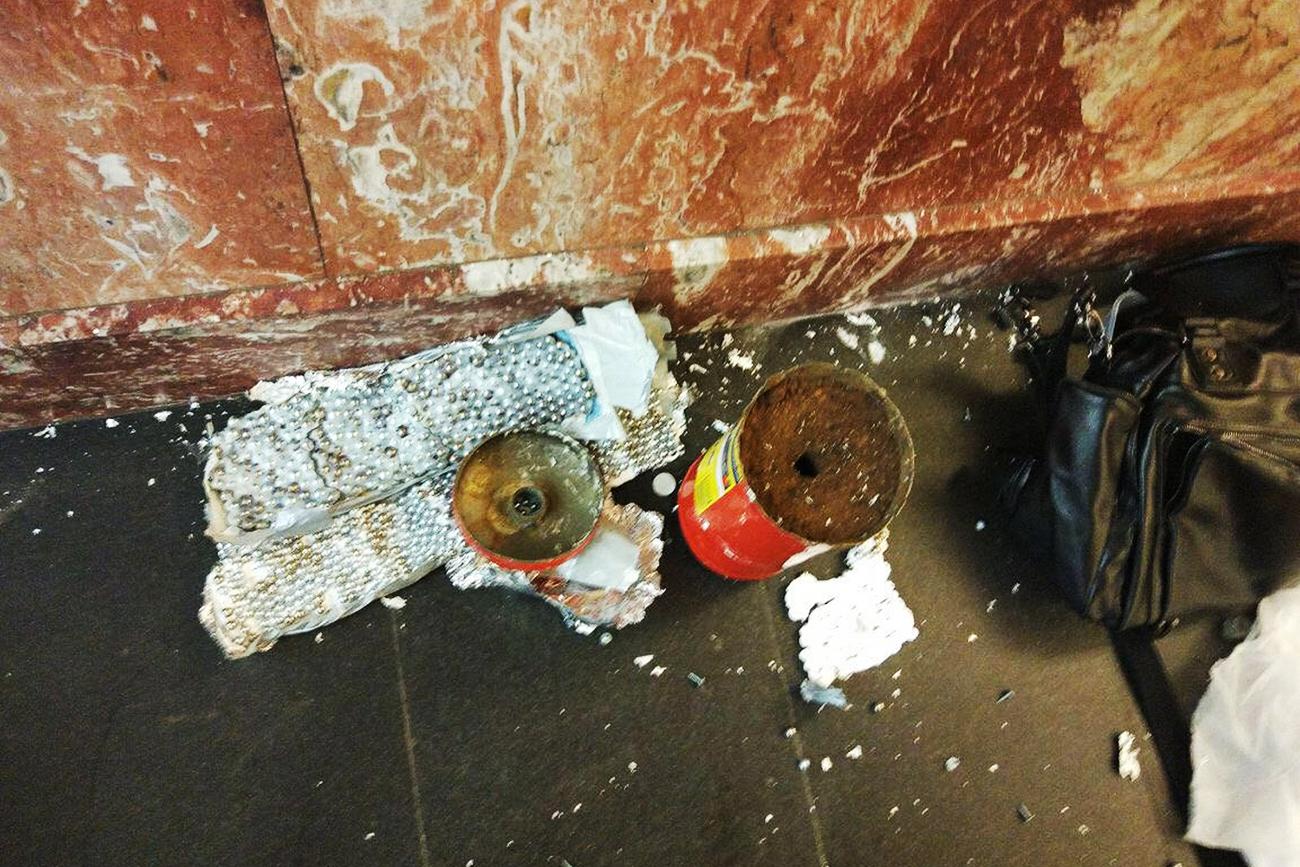 Neutralized bomb at the metro station 'Ploshchad Vosstaniya'.