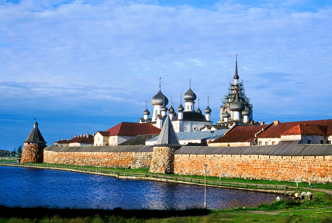 Solovetsky Monastery. East wall with Archangel Tower (left) and Transfiguration Cathedral. July 26, 1998.