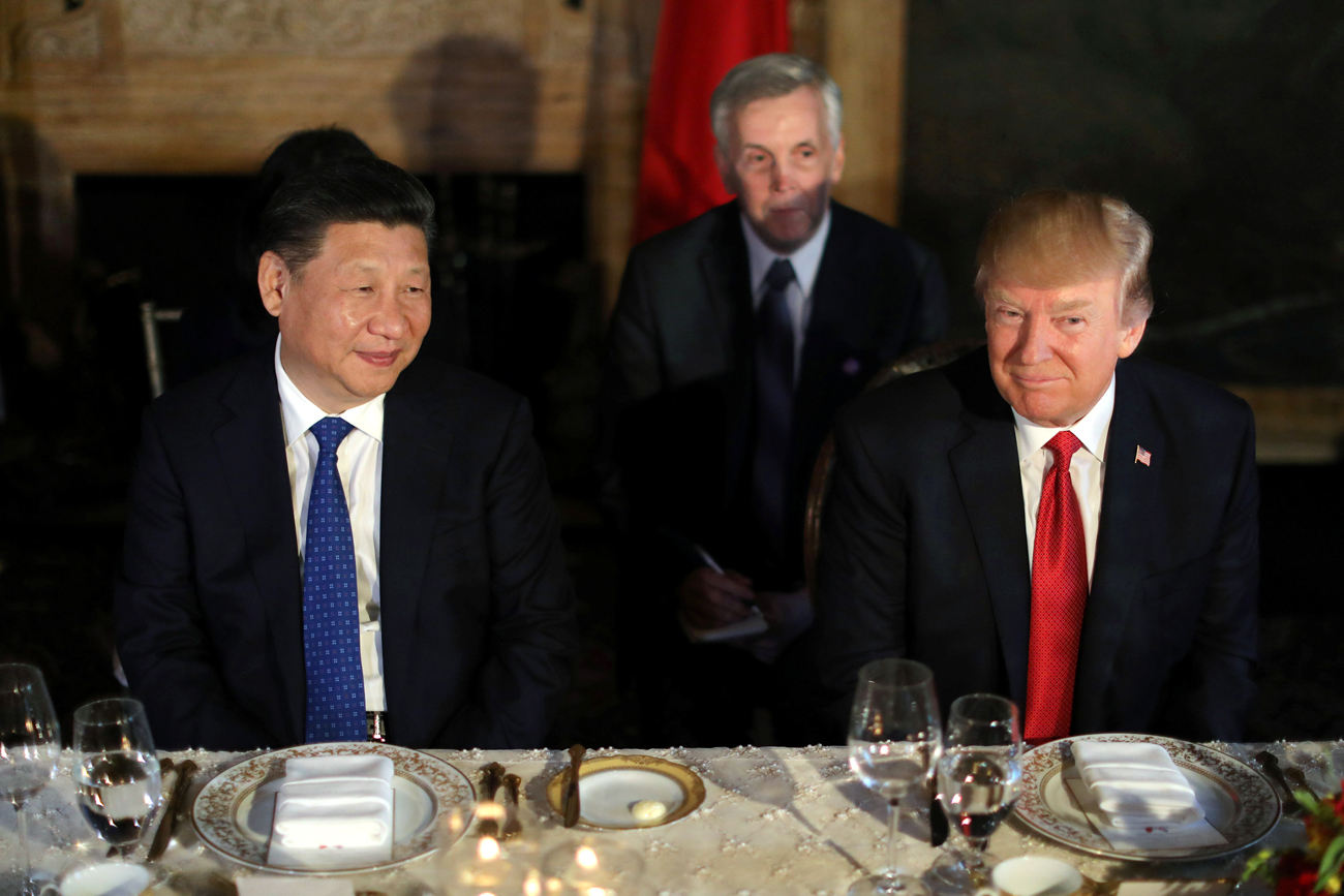 Chinese President Xi Jinping and U.S. President Donald Trump attend a dinner at the start of their summit at Trump's Mar-a-Lago estate in West Palm Beach, Florida, U.S., April 6, 2017.