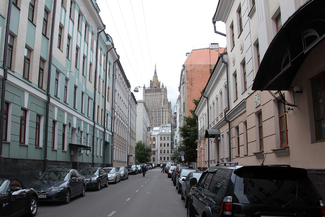 Russian Ministry of Foreign Affairs view from Krivoarbatsky side street.