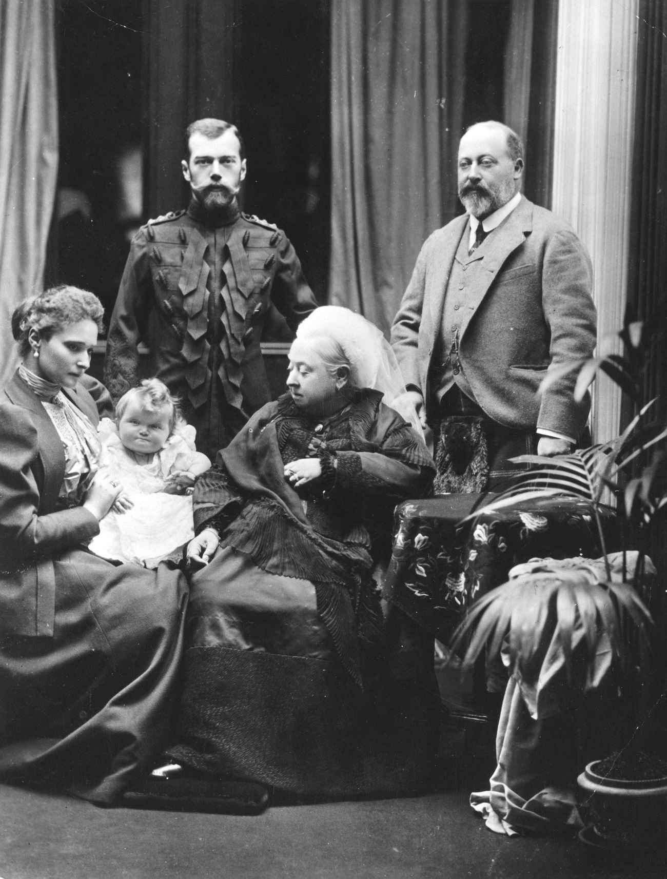 Tsar Nicholas II was appointed an honorary member of the Royal Scots Greys by Britain's Queen Victoria in 1894, after he became engaged to Alexandra Feodorovna (Princess Alix of Hesse), who was Victoria's granddaughter. // L-R: Tsarina Alexandra Feodorovna, Grand Duchess Tatiana, Tsar Nicholas II, Queen Victoria, and Edward, Prince of Wales. Balmoral, 1896.