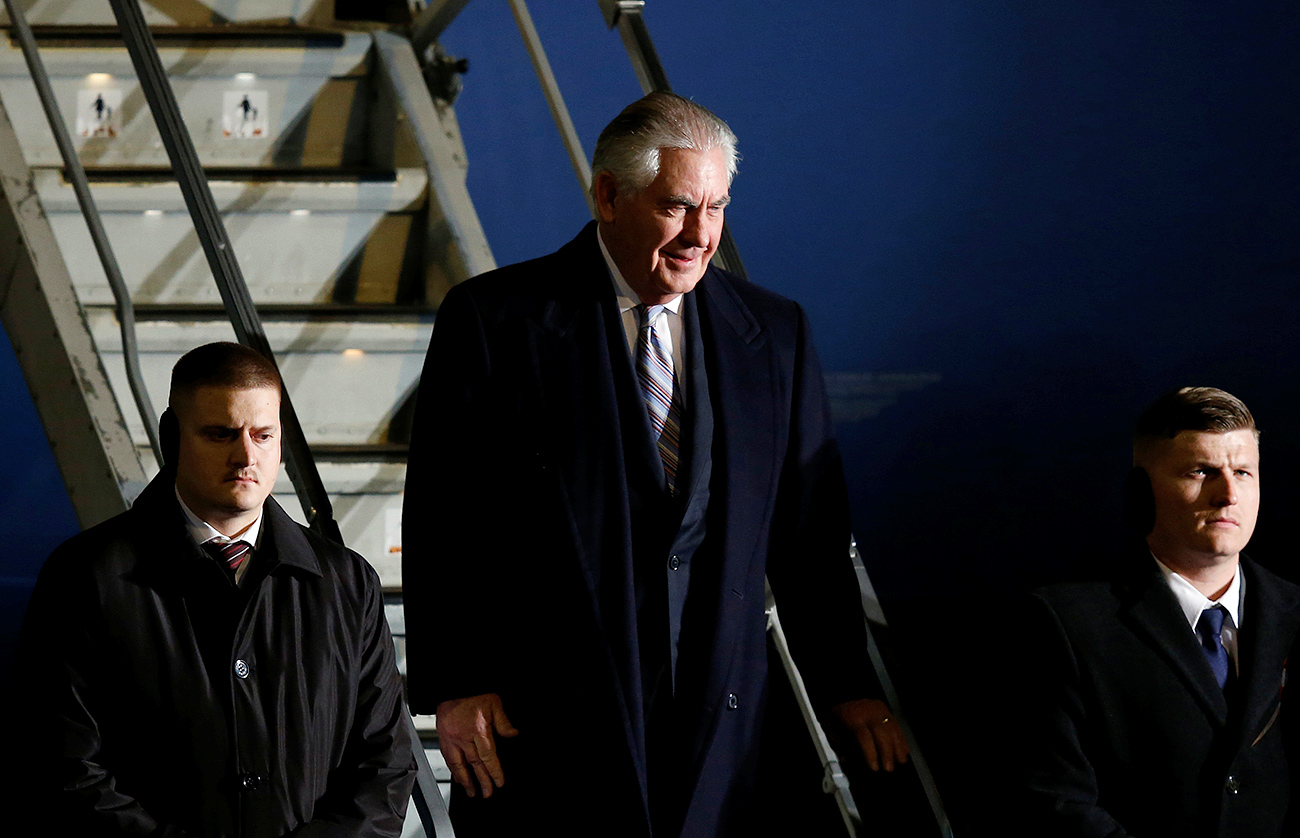 Tillerson comes to Moscow ready to play hardball. Photo: U.S. Secretary of State Rex takes off a plane on March 15, 2017.