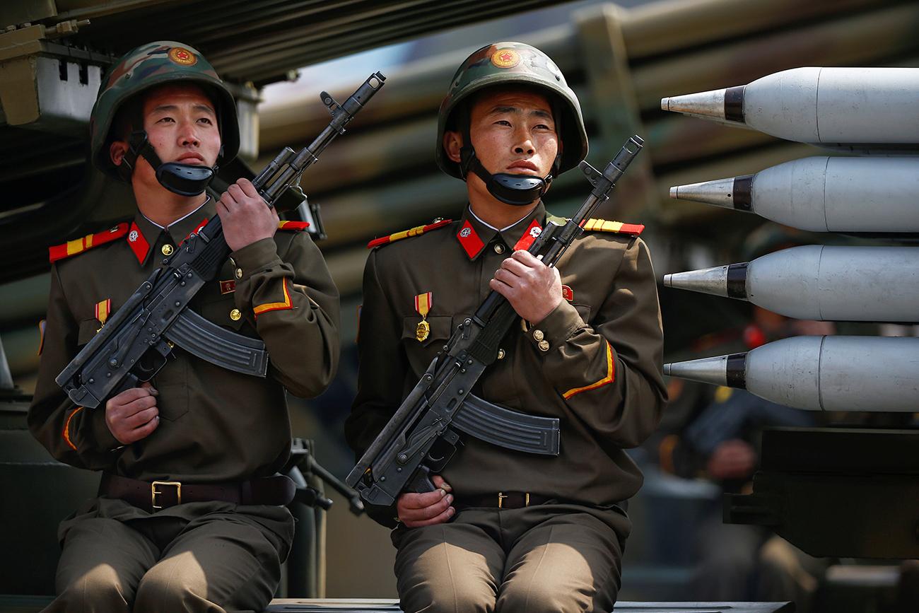 Tentara Korea Utara dalam sebuah parade militer di Pyongyang pada 15 April 2017.