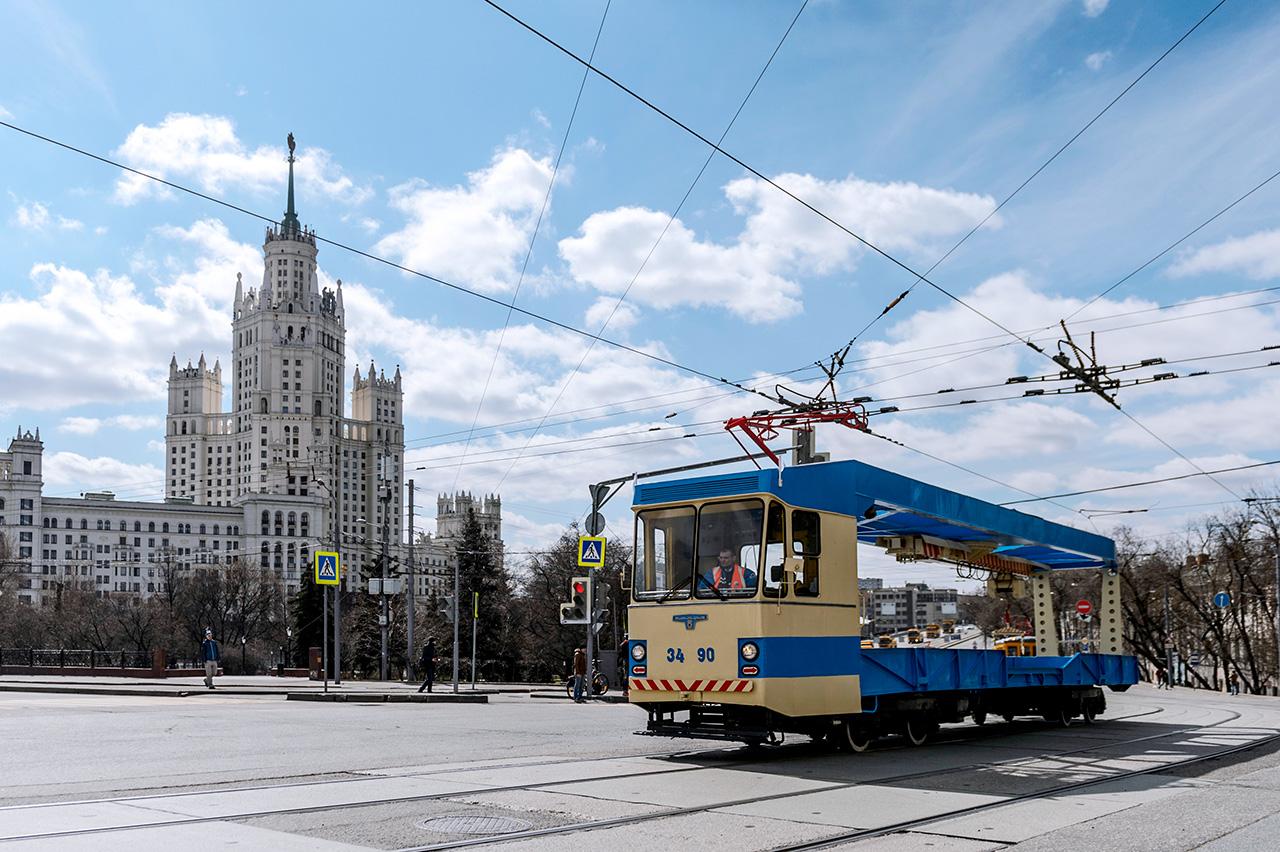 Les Moscovites ont aussi pu admirer des tramways inédits dans leur vie quotidienne : les tramways techniques, ainsi que des wagons d'entretien du réseau électrique, de nettoyage ou de fret.