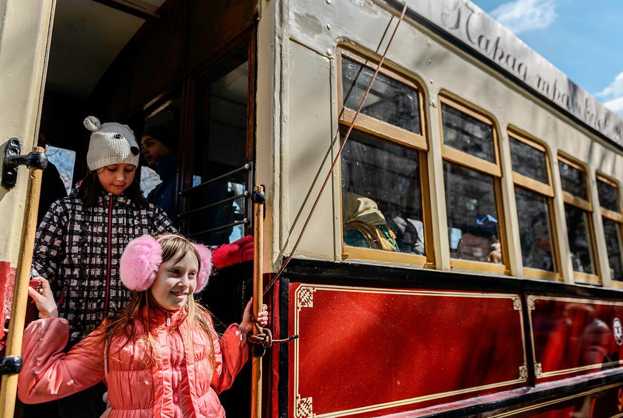 Ce moyen de transport atteignit son pic de popularité en 1934. Les tramways transportaient alors 2,6 millions de passagers par jour, alors que la ville ne comptait que de 4 millions d'habitants.