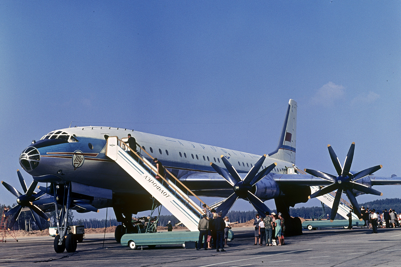 ソ連の旅客機ツポレフ114=ロシア通信