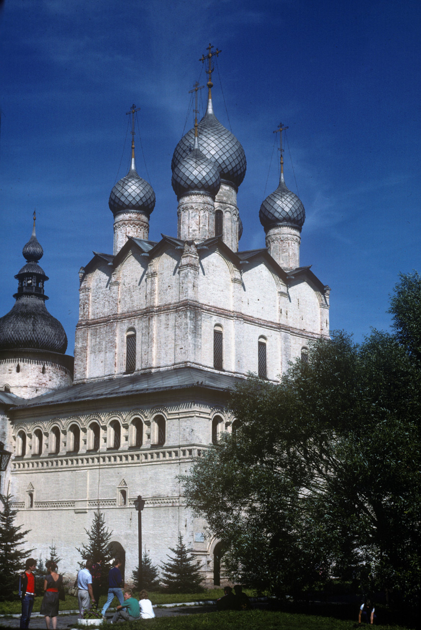 Rostov kremlin. Church of Resurrection. Southwest view. Aug. 21, 1988. / Photo: William Brumfield
