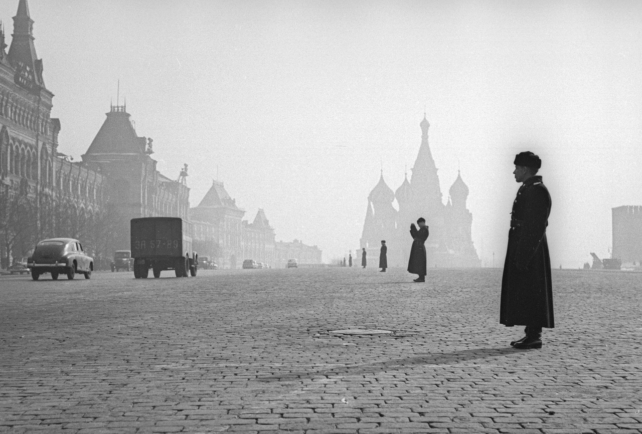 Red Square in the morning, 1959.    The lighter tone of the supplement was a welcome contrast to the official Izvestia, and gave greater scope to photo-reporters wishing to experiment, one of whom was Akhlomov.