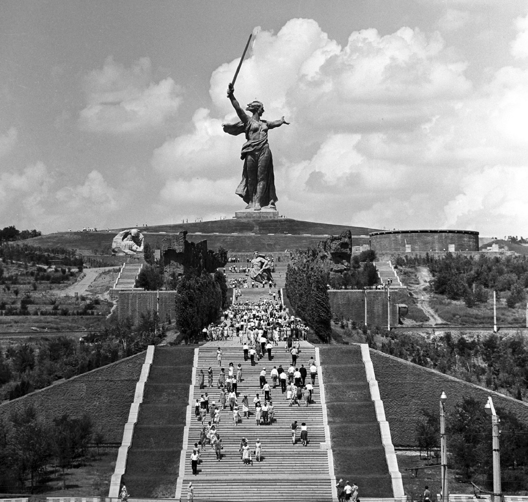 """The Motherland Calls"" statue in Volgograd, 1969. Source: Zelma/RIA Novosti"