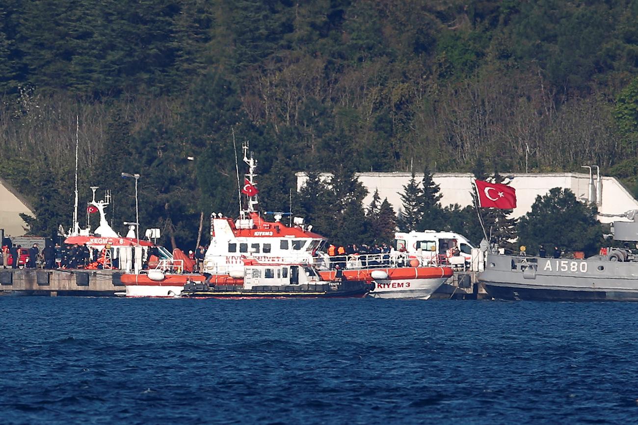 Kapal penyelamat milik Turki di markas Komando Bosporus saat operasi penyelamatan kapal Liman. Sumber: Reuters