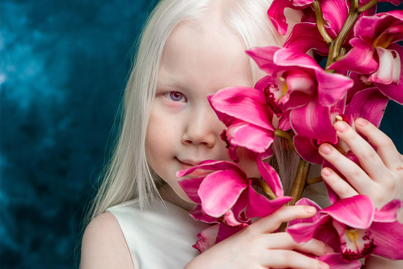 Vadim Rufov ha notato la straordinaria bellezza di questa ragazzina su Instagram, dove erano state caricate alcune sue foto