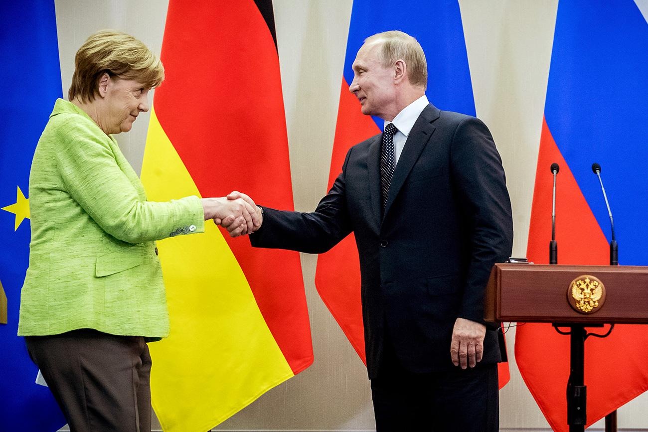 Merkel i Putin nakon konferencije za novinare u Sočiju, 2. svibnja /