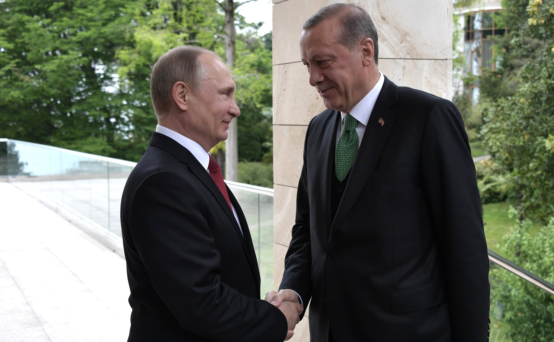 Russian President Vladimir Putin meets with his Turkish counterpart Tayyip Erdogan in Sochi, May 3, 2017.