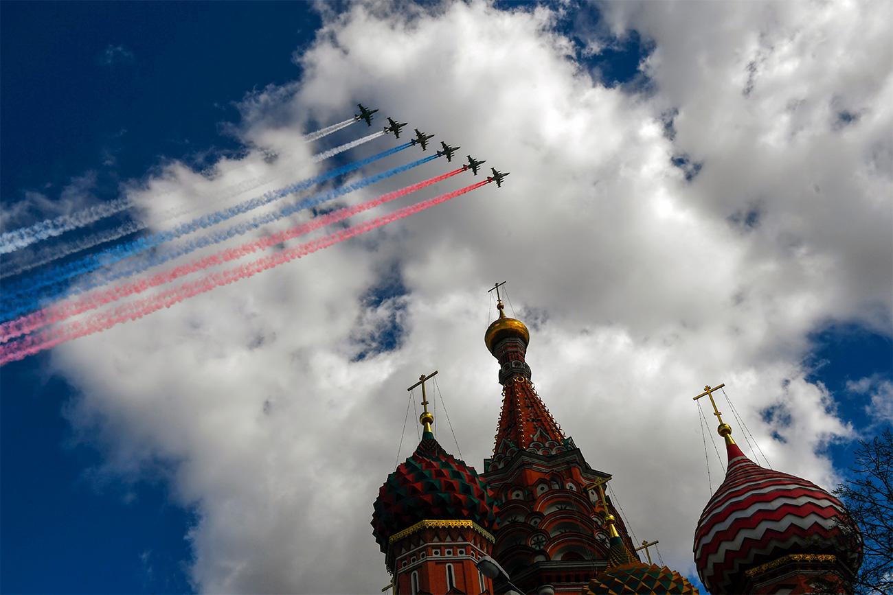 Vous pouvez regarder la diffusion du défilé en direct le 9 mai sur les pages de Russia Beyond the Headlines sur Facebook et YouTube.