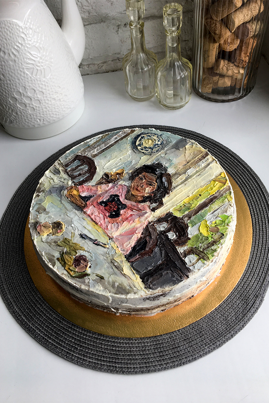 "Her cakes have also featured Valentin Serov's masterpiece ""Girl with Peaches"". Her own original works, including poppies, ducks and birds, are also in demand."