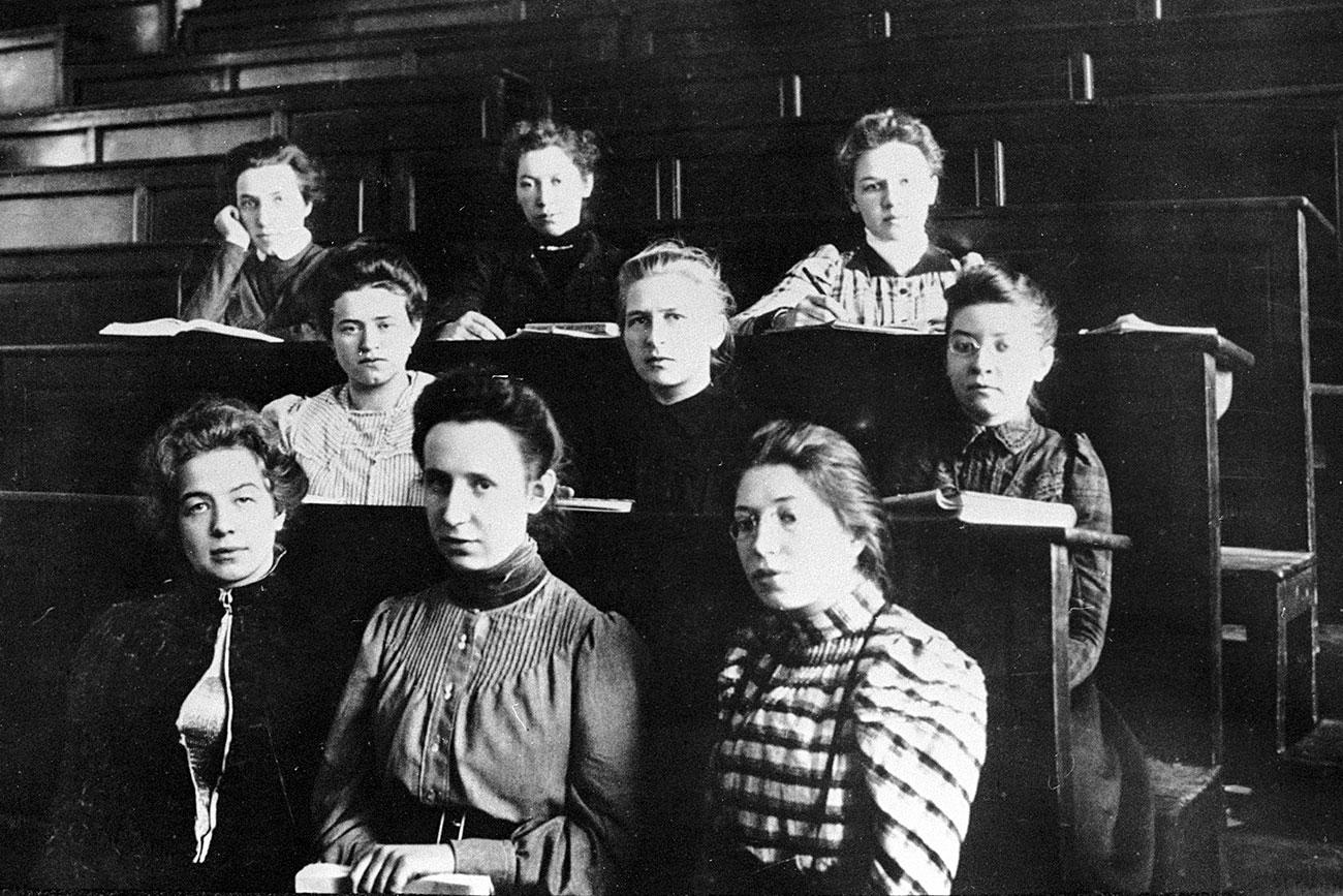 Studenti, San Pietroburgo, 12 marzo 1913. Fonte: Ria Novosti