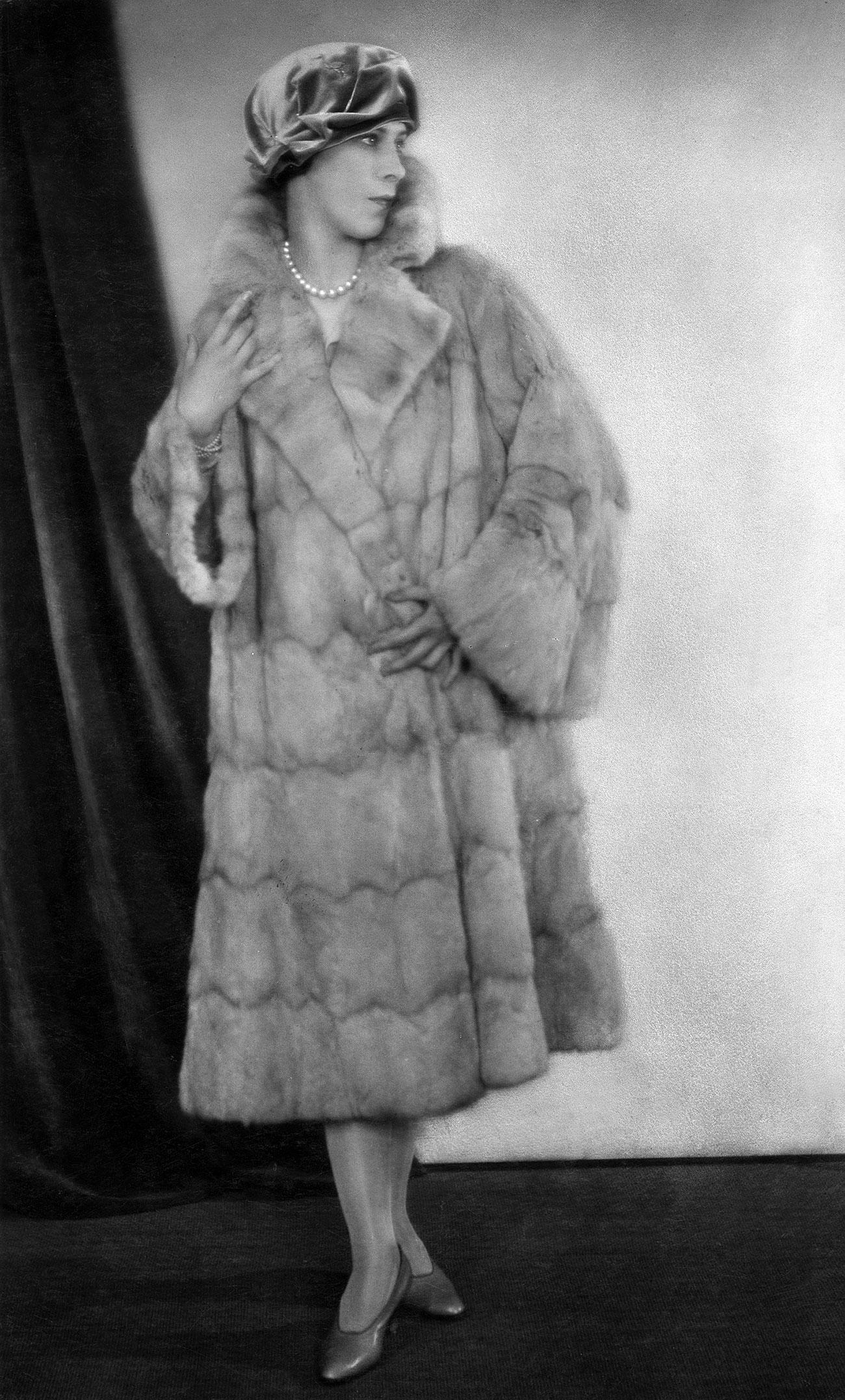 La ballerina Alicia Alanova, 1925. Fonte: Atelier Balasz/Getty Images