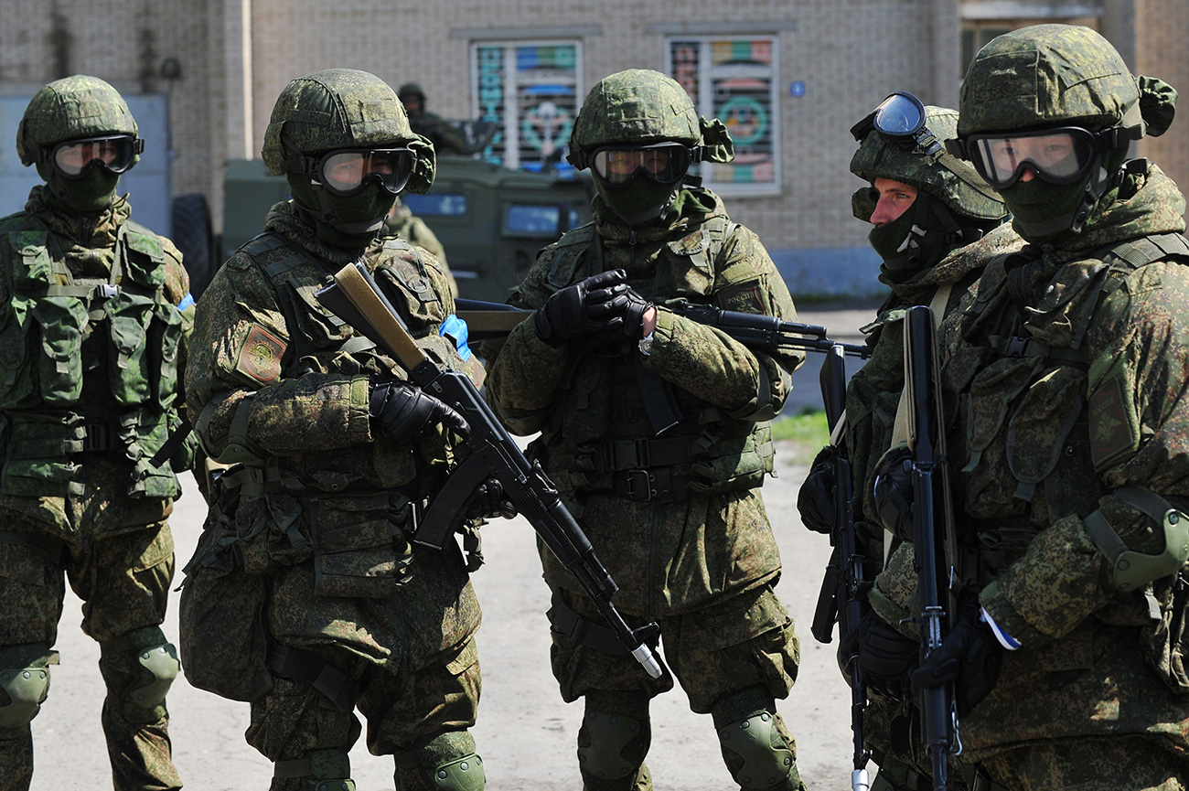 Special Ops Forces hold drills to counter terrorism and repel attacks in the Rostov Region.