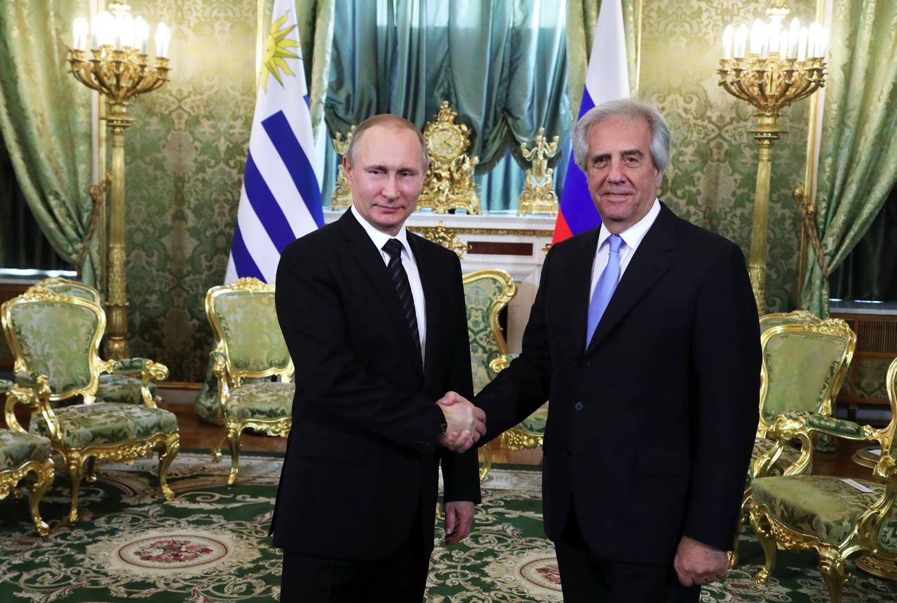 Vladímir Putin y Tabaré Vázquez en Moscú, el 16 de febrero, 2017.