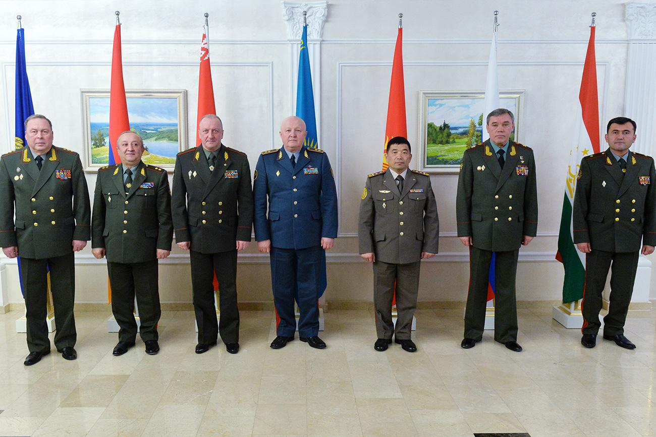 Al 10mo incontro del Comitato militare del CSTO a Minsk. Fonte: Viktor Tolochko/RIA Novosti