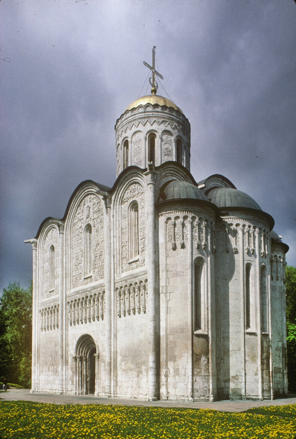 Vladimir. Cathedral of St. Dmitry, southeast view. May 25, 1998. / Photo: William Brumfield