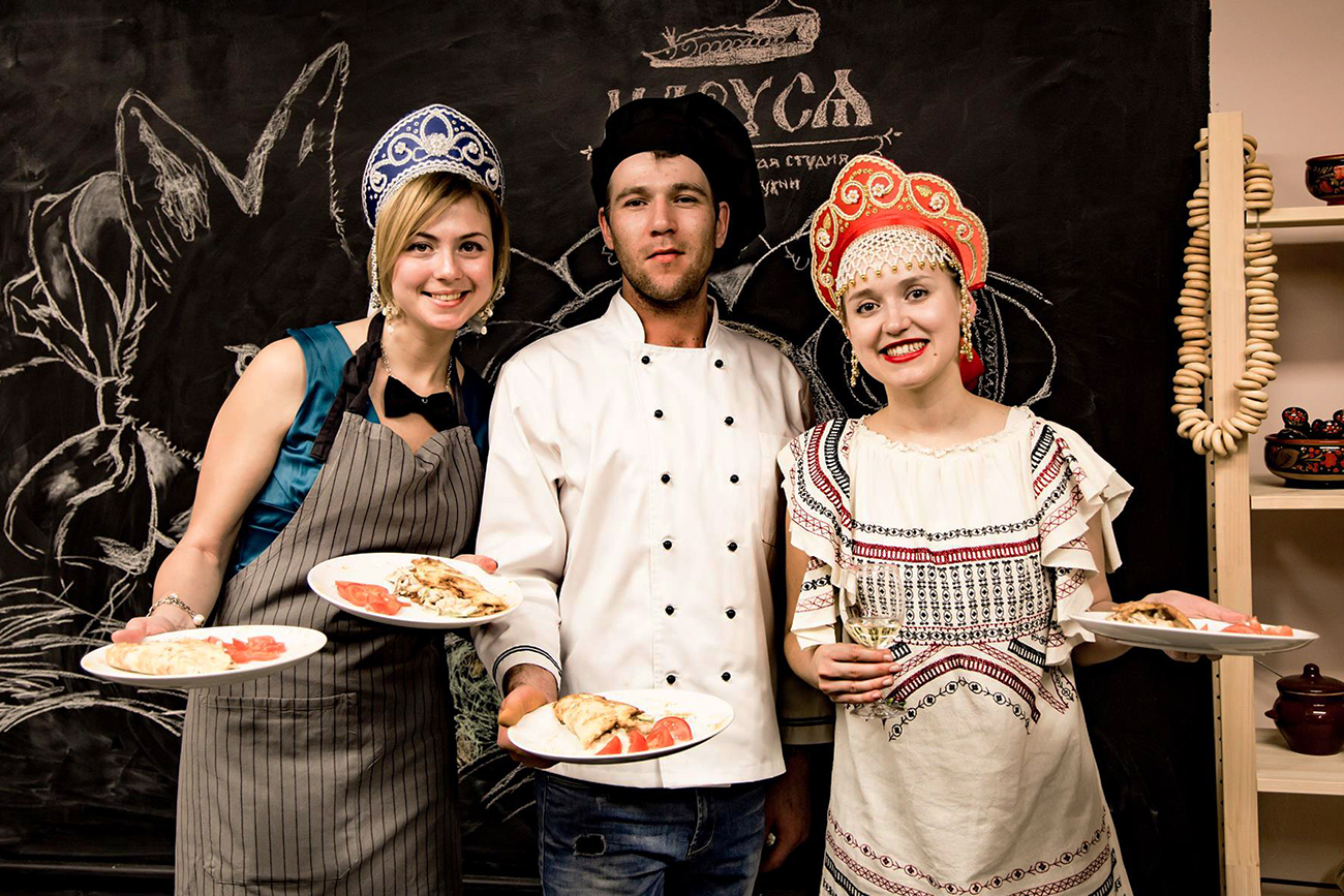 Discover Moscow's food culture in English!