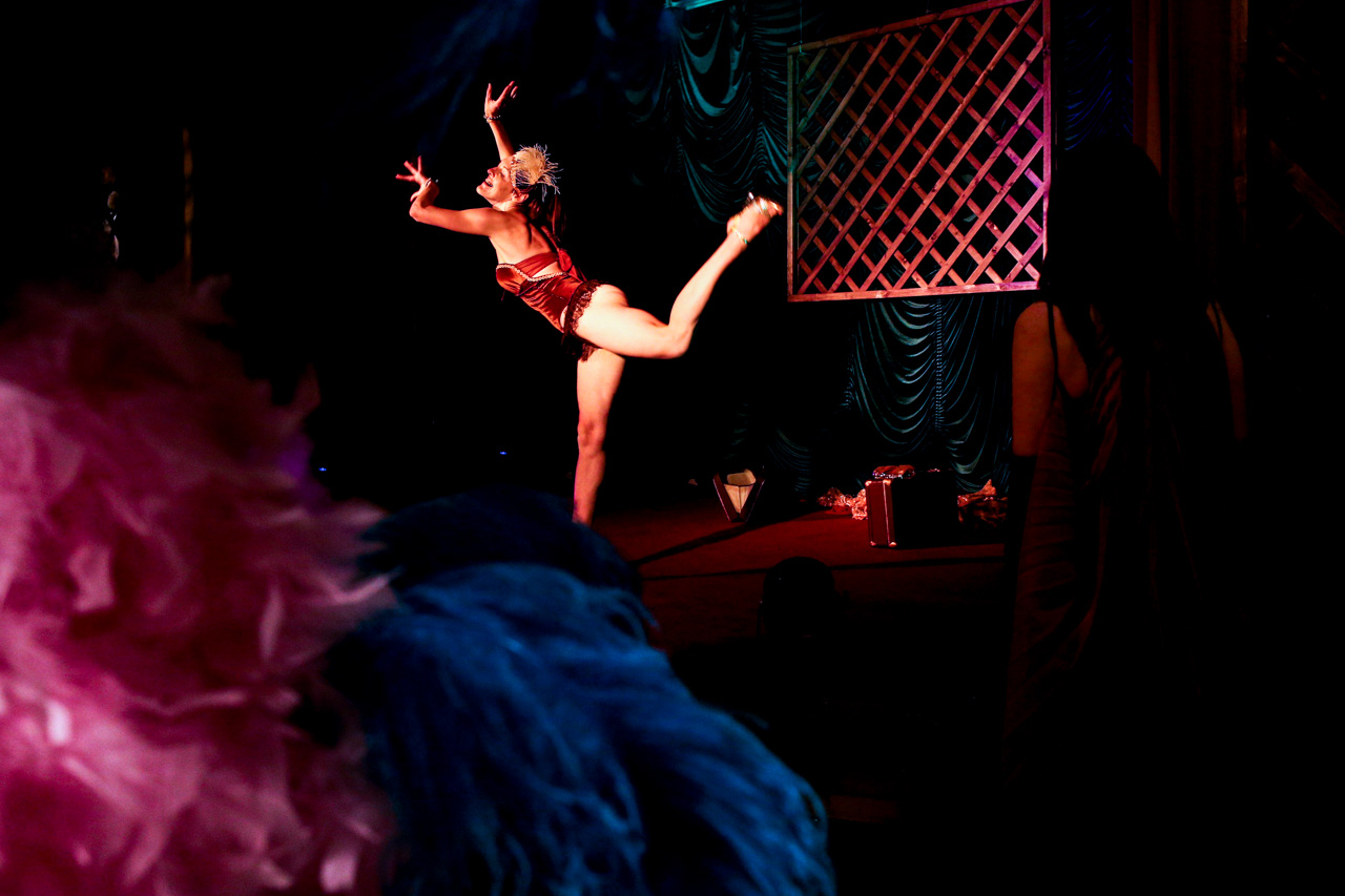 "Agneta Linchevskaya, burlesque performer, states: ""It's a mix of contemporary ballet, elegant strip plastique, neo-burlesque, cabaret and retro choreography"". It speaks for itself, doesn't it?"