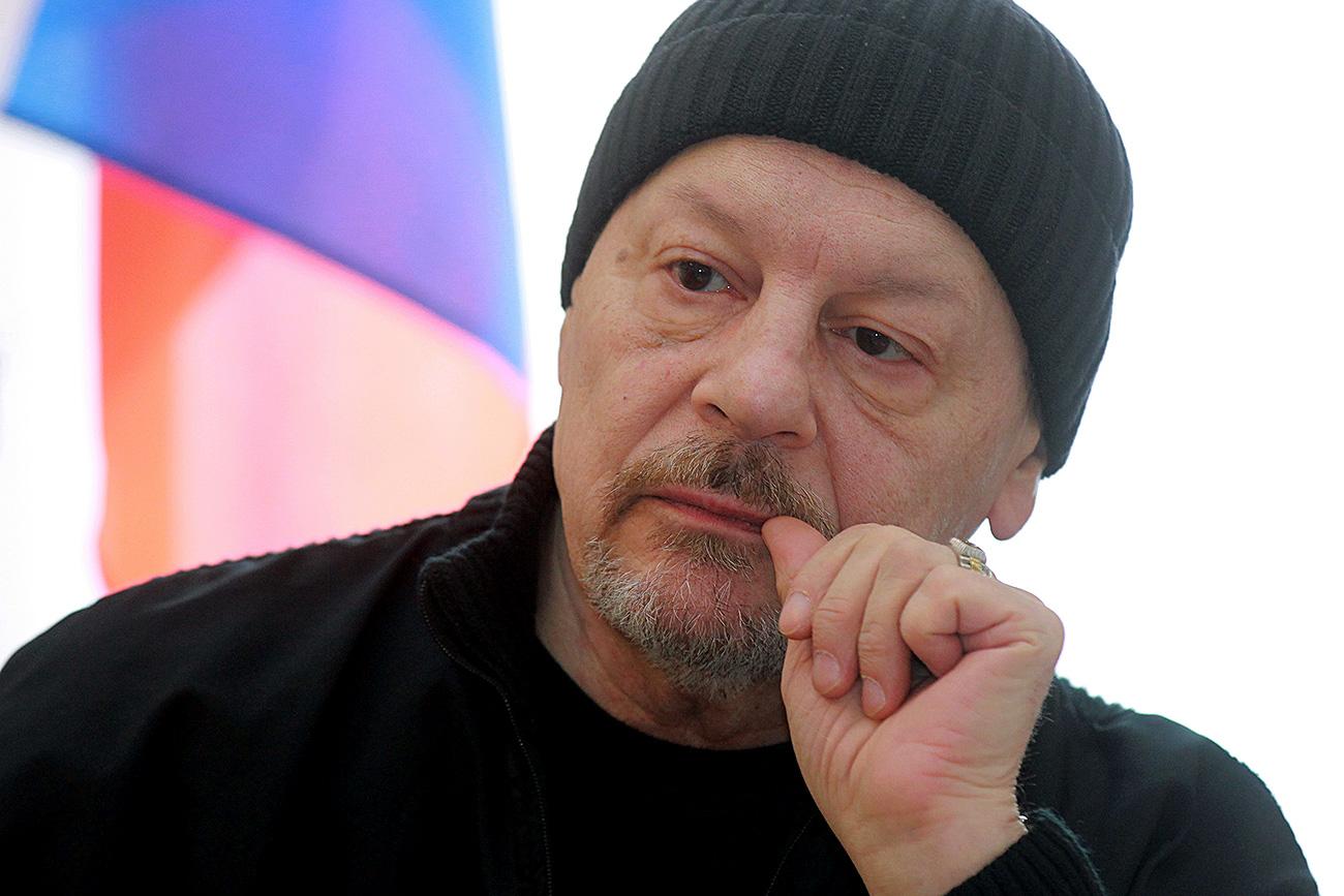 Александар Бурдонски.