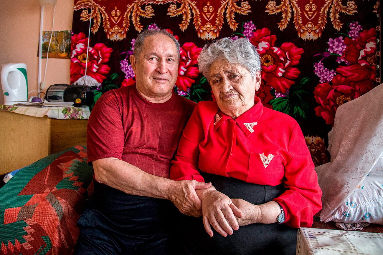 Alexandra Sbitneva  (80) and Anatoly Shutov (65)  got married 14 years ago. They met at the Vishenki gerontological center in Smolensk, one of the biggest homes for elderly people in Russia. Anatoly is visually-challenged. He had to move to the center after the death of his wife. Alexandra moved to the center after her son's death. The couple does not have any relatives who can visit them. They often take a walk around the gerontological center, but Anatoly says that he has become less interested in walking since losing his sight completely.
