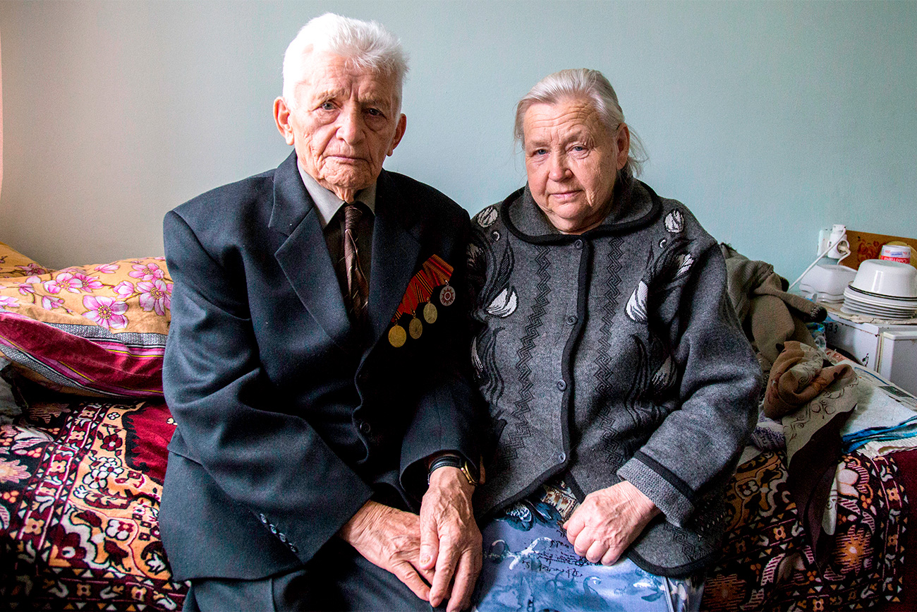 Lubov Barbakova (74) and Aleksei Balahonov (87) met at the Vishenki center, too. Aleksei moved there because he did not want to be a burden for his brother. He also wanted to have an opportunity to communicate with people of his own age. He met Lubov at the center right after she moved there, and a few months later they got married and moved into a separate room together. The supervisors of the center encourage such marriages and allow newlyweds to move into separate rooms.