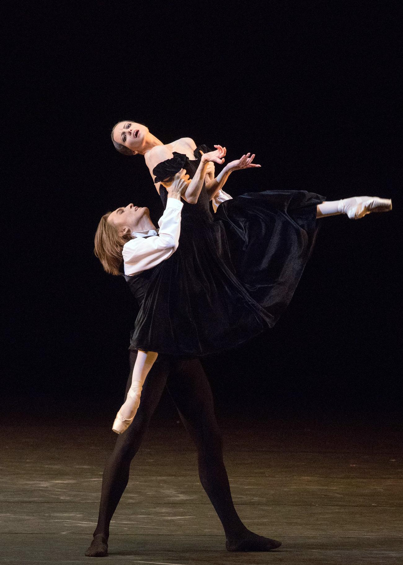 Nina Kapcova and Denis Red'kin, The Lady of the Camellias ballet. Source: Mikhail Logvinov