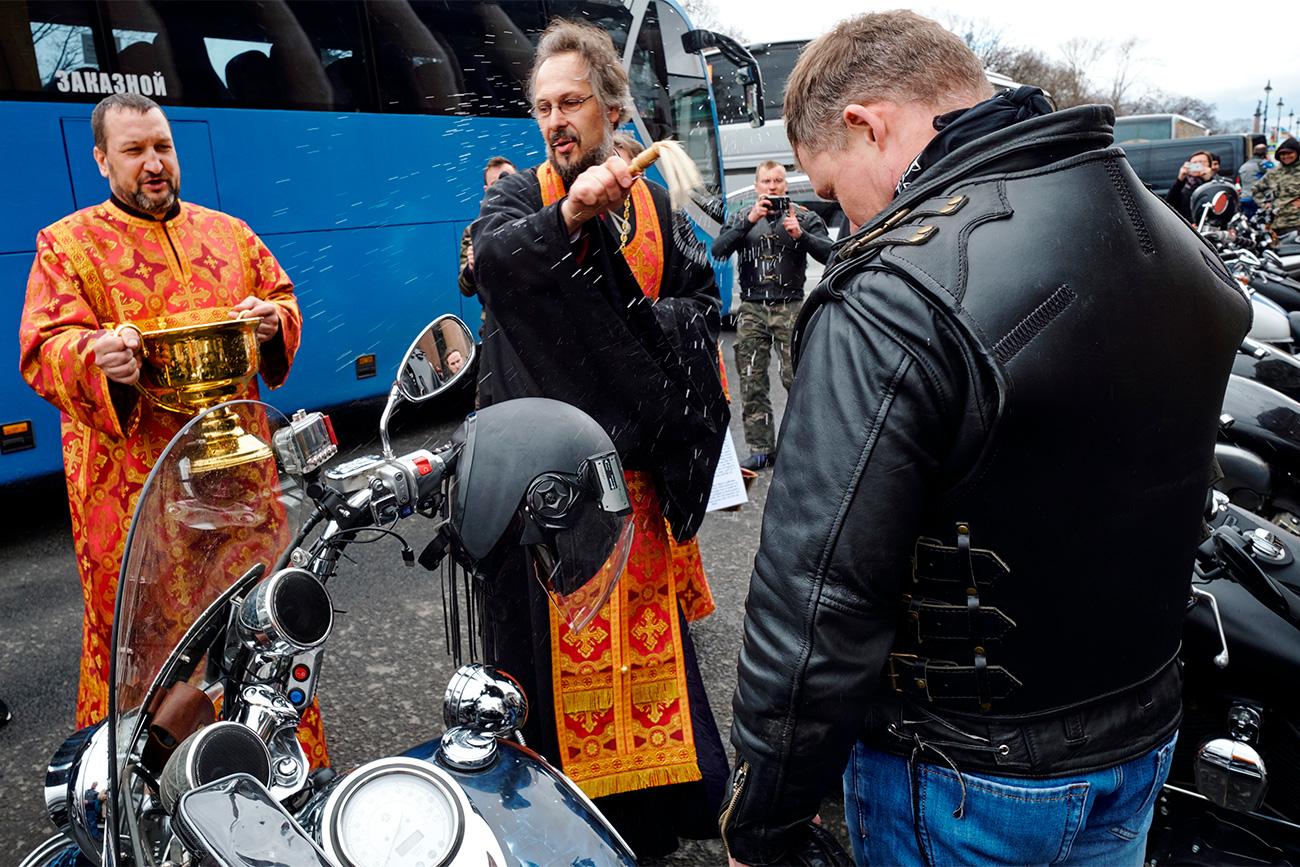 Мотоклуб Ноћни вукови у Санкт Петербургу.